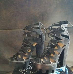 Wild diva platform chunky lug heels